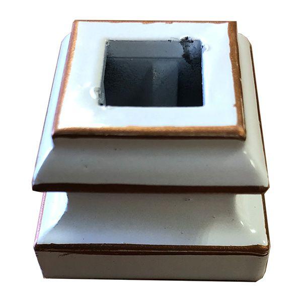 Подпятник прямой радиусный из стали, окрашеный в цвет белая медь для кованых балясин